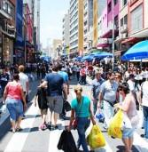 Quase metade dos brasileiros compra produtos que nunca usa, revela pesquisa