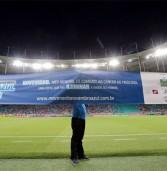 Jogadores do Bahia trocam camisa tricolor pela do Novembro Azul