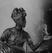 """Dedicado """"às bichas pretas"""", espetáculo Rebola vence duas categorias do Prêmio Braskem de Teatro"""
