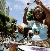 Documentário sobre mulheres percussionistas tem exibição gratuita