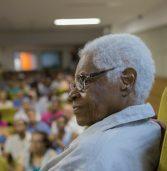 Com cortejo, Mãe Stella será sepultada neste sábado (29) em Salvador