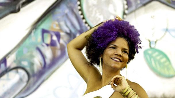 """Juliana Ribeiro lança o disco """"Preta Brasileira – Estúdio Vivo"""" em live-show do projeto SESC Sonoridades"""