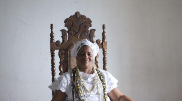 Mulheres Negra em ação de resistência – Mãe Valnizia Bianchi: ativismo em tons múltiplos